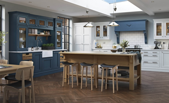 Lawrence Farmhouse-style Kitchen in Brilliant White & Parisian Blue