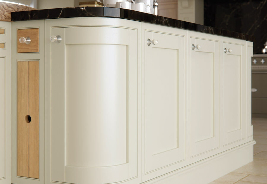 Montreal Kitchen White Oak & Painted White Cotton Island Curved Door