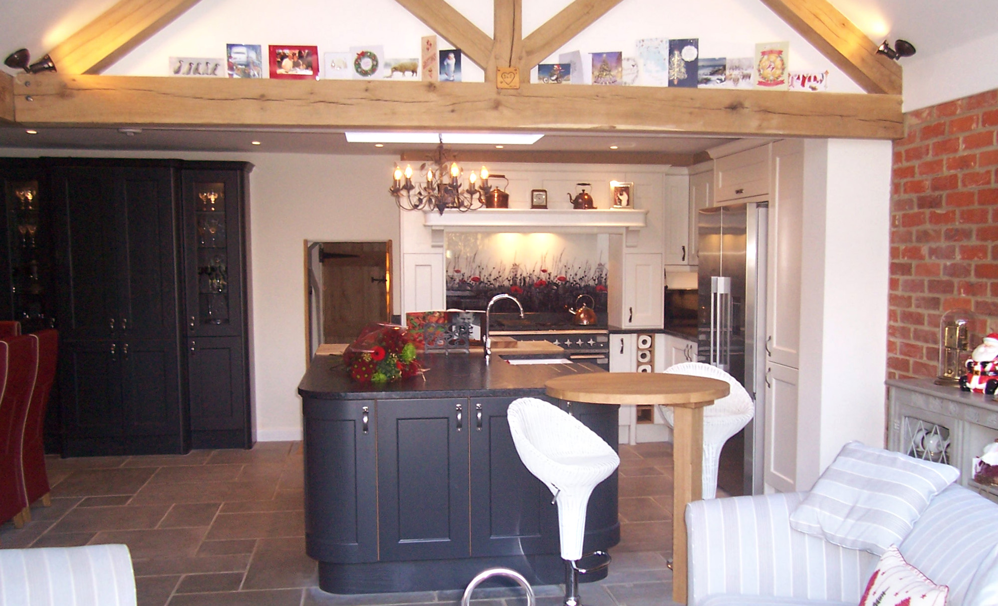 wakefield-painted-graphite-porcelain-full-shot-kitchen-stori