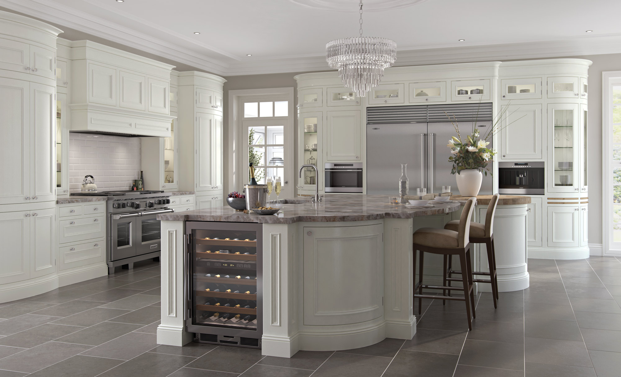 Charlotte Traditional Kitchen in Porcelain